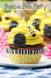 bumble bee cupcakes bumble bee birthday cupcakes recipe tutorial artsy momma
