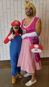 Outrageous Halloween Costumes Father Daughter Halloween Costumes Dads Dressed Princess
