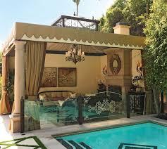 tips for outdoor décor