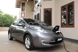 nissan leaf youtube commercial first nissan leaf 100 electric car delivered wemotor com