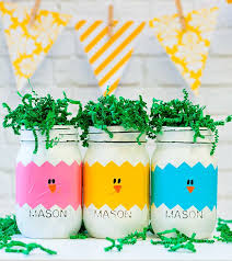 Easter Decorations Chicks by Best 25 Easter Ideas On Pinterest Easter Holidays 2015
