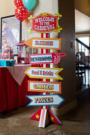 carnival theme centerpieces ideas circus carnival decorations