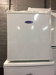 bargain brand new worktop fridge 50 can deliver in east end