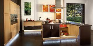 you cuisine idée relooking cuisine cuisine moderne en chêne avec îlot central