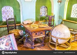 la chambre du fils la chambre du fils plus âgés photo éditoriale efesenko 162055810