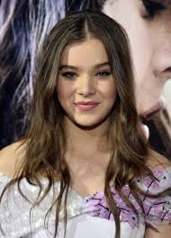 romeo and juliet hairstyles hailee steinfeld photos romeo and juliet premieres in