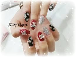 gel polish glitzy fingers