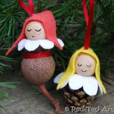 how to make elves from pine cones or gumnuts