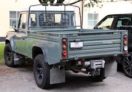 land rover 110 off road file 2009 land rover defender 110 pickup jpg wikimedia commons