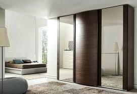 placard de chambre en bois bonne mine placard marron fonce chambre galerie conseils pour la