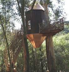 Tree Houses Around The World Treehouses And Houses In Trees Ranging From Faerie Fantasy To