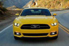 dodge challenger vs mustang gt 2015 ford mustang vs 2015 dodge challenger which is better