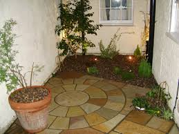 Spanish Style Courtyards by Small Front Courtyards Small Spanish Style Courtyard 27 Calm