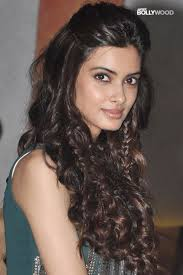 diana penty hair styling and dressing sense of 14