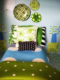 Bedroom Painting Ideas by Superb Small Bedroom Paint Ideas With Singel Bed A Blue Linen And