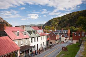 spirit of halloween town best small towns for summer vacation towns to visit this summer