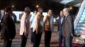 sultan hassanal bolkiah brunei sultan hassanal bolkiah arrives in manila for apec youtube