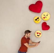 Wohnzimmerm El F Senioren Partnersuche Im Netz Was Taugt Online Dating Wirklich Welt