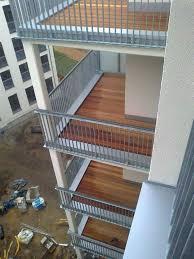 holzdielen balkon referenzen holzterrasse holzterrassen dachterrasse balkon