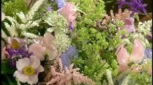 Cascading Bouquet Video How To Make Cascading Bouquets Martha Stewart Weddings