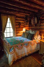 Lodge Interior Design by Best 25 Cabin Bedrooms Ideas On Pinterest What Is A Chalet Log