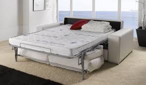 canapé convertible confortable achat d une literie clic clac ou canapé lit