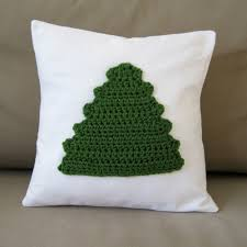 Free Crochet Patterns For Christmas Tree Ornaments Crochet Christmas Decor Diy Crochet Tree Pillow