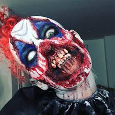 scary clown halloween costumes killer clown just posted on youtube ellimacs tag someone scared