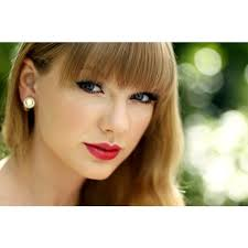 taylor swift fan club taylor swift intruder arrested at her nashville home got country