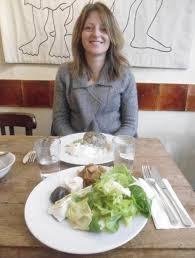 blogueuse cuisine repas libanais cuisiné par amal marroun auteur culinaire et