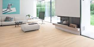 Interieur Mit Rustikalen Akzenten Loft Design Bilder Haro Laminate Tritty 100 Oak Creme Limewashed Authentic