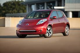nissan leaf lease offers nissan offers free public charging for new leaf buyers in chicago