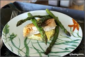 cuisiner asperges vertes fraiches keskonmangemaman saumon et asperges vertes rôties polenta