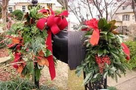 Mailbox Decor For Christmas by Christmas In Mountain Brook Southern Hospitality