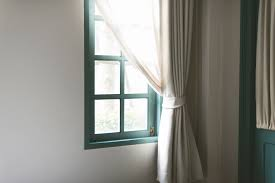 5 must have decor items for chill summer vibes my decorative to bring a chill summer vibe into your home you should use light fabric curtains that are practically designed for the summer season