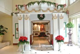 step inside life size gingerbread mansion at ritz carlton hotel