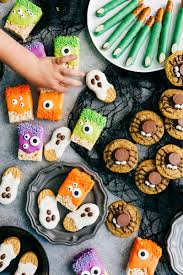 Easy To Make Halloween Snacks by Check Out Rice Krispies Treat Monsters It U0027s So Easy To Make