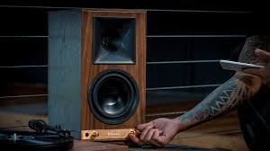 the sixes powered bookshelf speakers klipsch