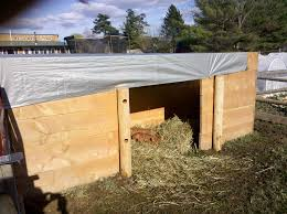 How To Build A Easy Shed by Simple Pig Pen Design Thehomesteadingboards Com