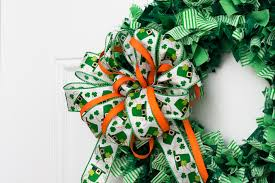 St Patrick S Day Home Decorations Decorate Your Home With A St Patrick U0027s Day Rag Wreath Third Stop