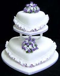 heart shaped wedding cakes wedding cakes pictures heart shaped wedding cakes