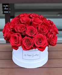 roses in a signature white box la gallery