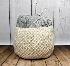 quick knit gifts to make for all your friends this holiday