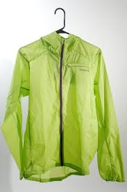 best cycling rain jacket 2016 reveiw packable patagonia u0027houdini u0027 jacket gets rain test