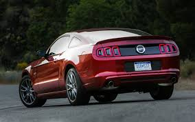 pics of ford mustang gt 2013 ford mustang gt premium test motor trend