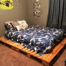 King Size Platform Bed Diy by Best 25 Pallet Platform Bed Ideas On Pinterest Diy Bed Frame