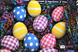 decorating easter eggs using napkins 100 things 2 do