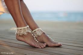 barefoot sandals wedding of the pearls with chagne frilly guipure wedding