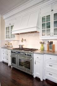 Farmhouse Cabinets For Kitchen Best 25 Cape Cod Kitchen Ideas On Pinterest Cape Cod Style