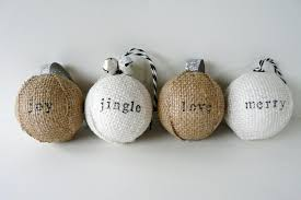 make sted burlap ornaments